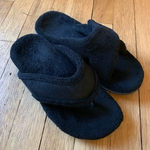 Vionic Black Slippers